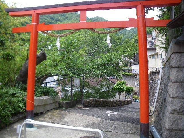 山麓リボンの道−2(新神戸から地下鉄大倉山まで)