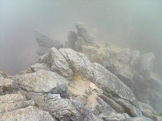 霧の御在所・キレツト