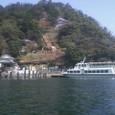 春の竹生島